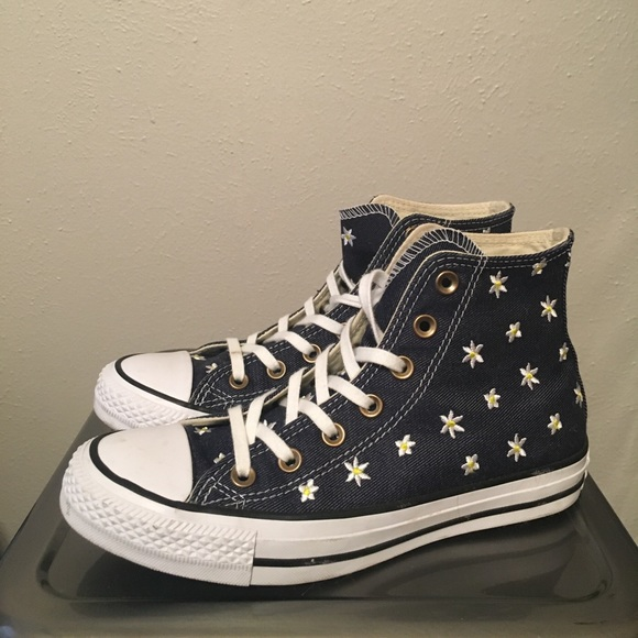 b3ded636247e Converse Shoes - Daisy Embroidery Converse